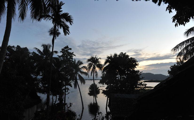4月27日発「パプアニューギニア 丸木舟で巡るセピック川ビレッジツアー」添乗レポート
